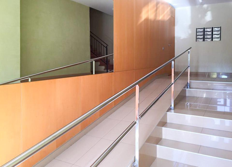 Porteria acceso edificio